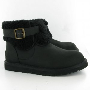 UGG Jocelin Black Plaid