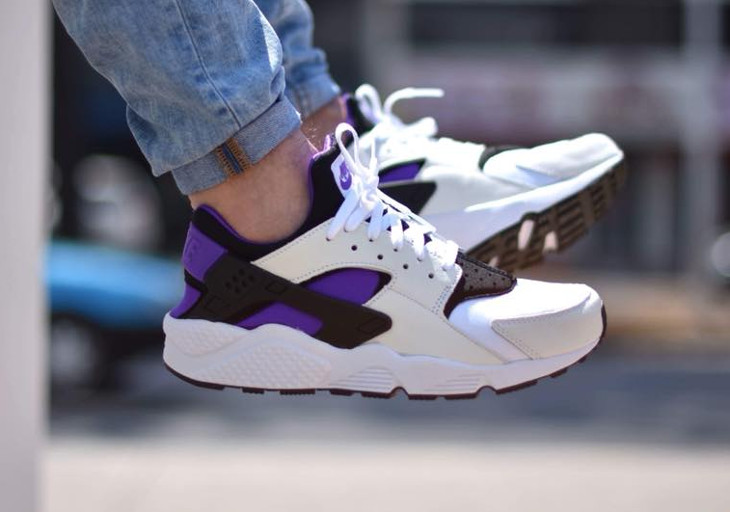 http://shoesbrend.ru/images/upload/Chaussure-Nike-Air-Huarache-91-QS-White-Purple-Punch-on-feet%20(1).jpg