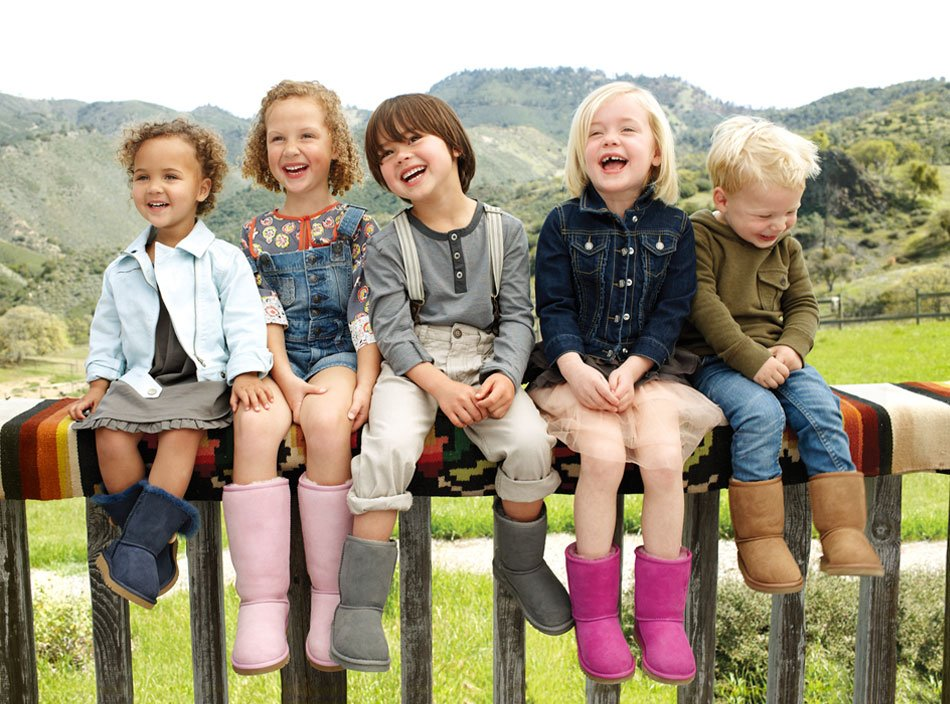http://shoesbrend.ru/images/upload/uggs-kids-in-a-row.jpg